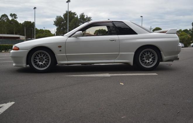 1 Crystal White R32 GTR V-Spec II Australia 1994 model images (2).jpg