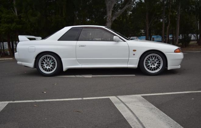 1 Crystal White R32 GTR V-Spec II Australia 1994 model images (4).jpg