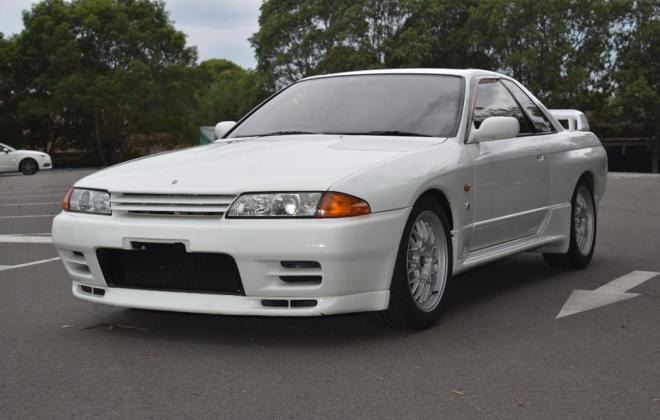 1 Crystal White R32 GTR V-Spec II Australia 1994 model images (5).jpg