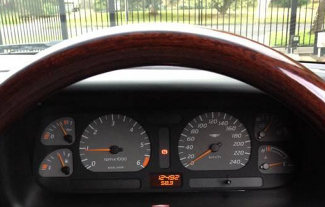 1 Ford Falcon EL GT 1997 dashboard instrument image.png