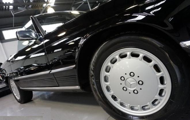 15 inch wheel 560SL.jpg