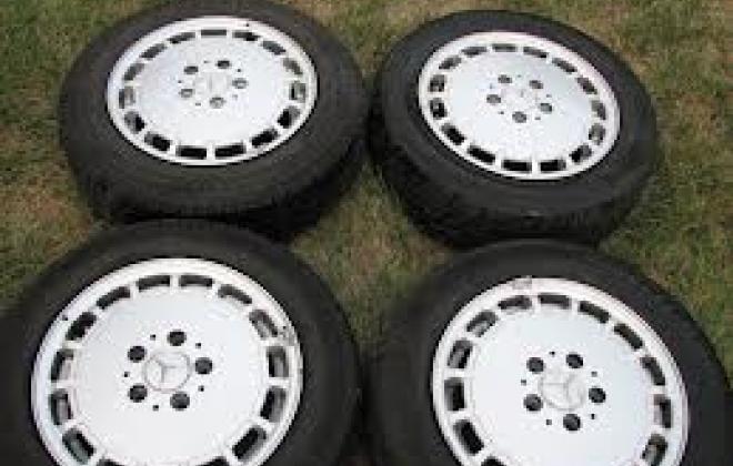 15 x 7 190E 2.3 wheels.jpg
