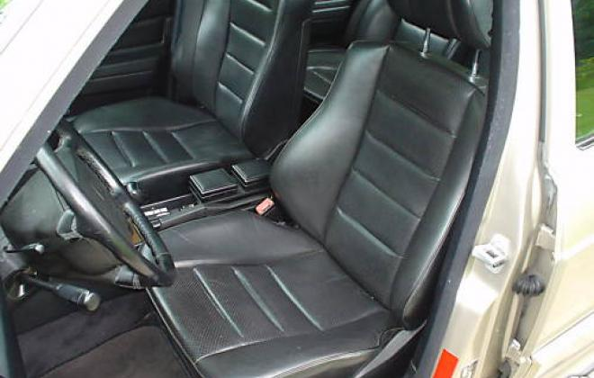 190E 2.5 leather front seats.JPG
