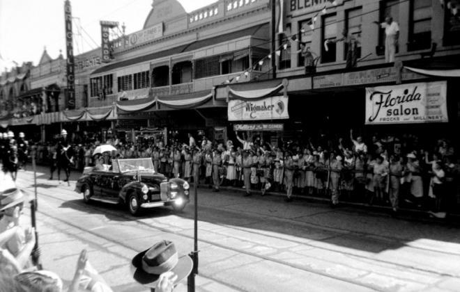 1948 Humber Pullman Royal tour of Australia 1954.jpg
