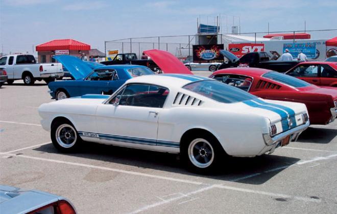 1965 Shelby GT 350 1.jpg