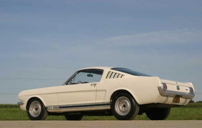 1965 Shelby GT 350 8.jpg
