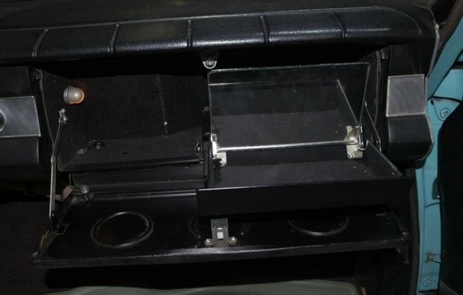1965 Studebaker Daytona Sports Sedan glovebox.png