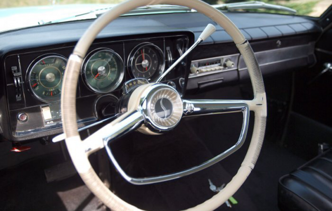 1965 Studebaker Daytona interior dashboard steering wheel white (4).png