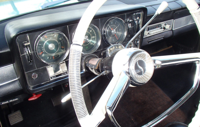 1965 Studebaker Daytona interior dashboard steering wheel white (2).png