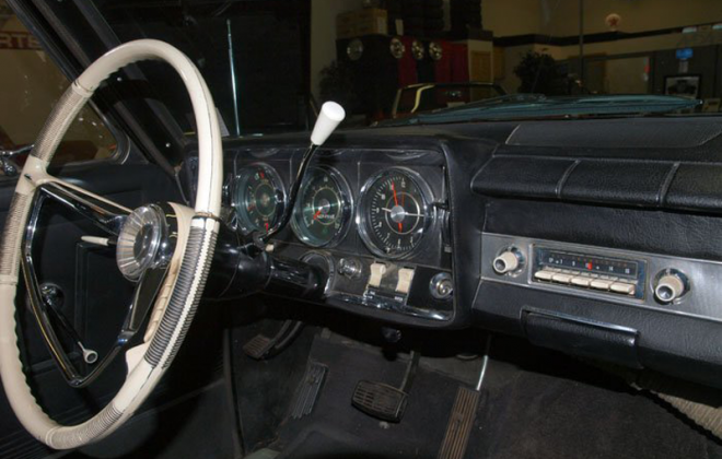 1965 Studebaker Daytona interior dashboard steering wheel white (5).png