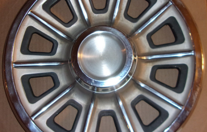 1966 Pontiac GTO optional wheel cover.png