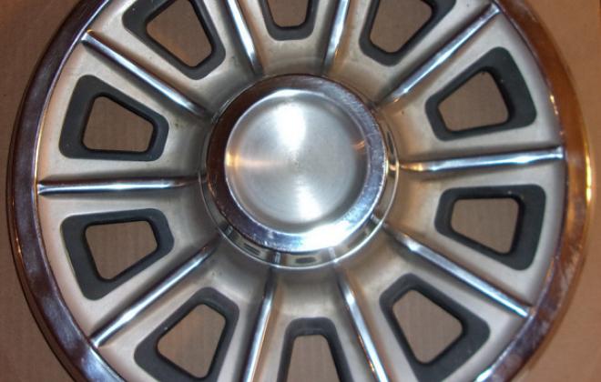 1966 Pontiac GTO optional wheel cover.png