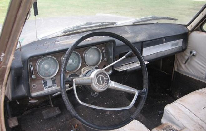 1966 Studebaker Daytona Sports Sedan dashboard images (1).png