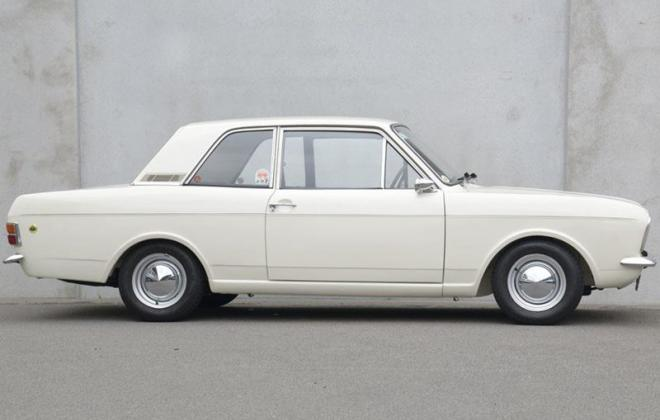 1968 Lotuc Ford Cortina Twin Cam MK2 white images (4).jpg