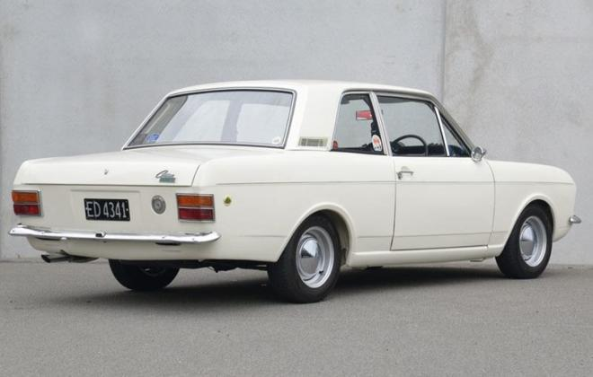 1968 Lotuc Ford Cortina Twin Cam MK2 white images (5).jpg