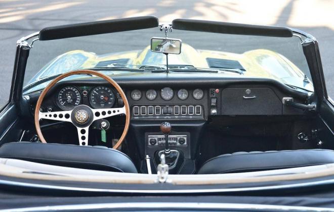1968 Series 1.5 XKE E-type dashboard Jaguar (1).jpg