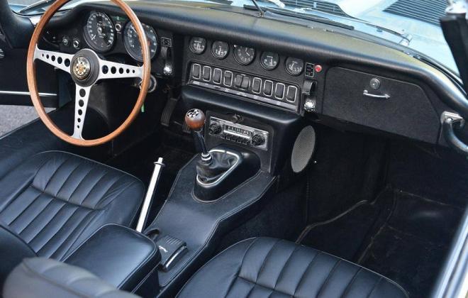 1968 Series 1.5 XKE E-type dashboard Jaguar (2).jpg