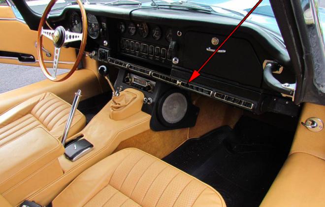 1968 Series 1.5 XKE E-type dashboard Jaguar (2).png