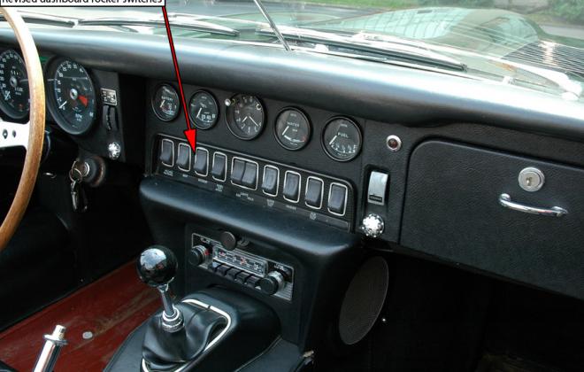 1968 Series 1.5 XKE E-type dashboard Jaguar (3).png