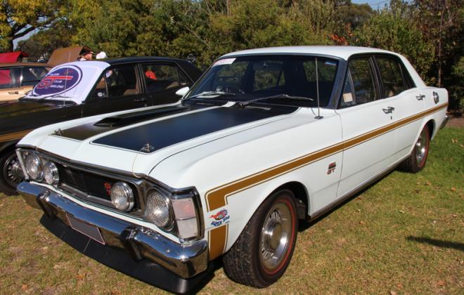 1969 1970 Falcon XW GT white with gold stripe decal (1).jpg