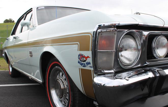 1969 1970 Falcon XW GT white with gold stripe decal (2).jpg