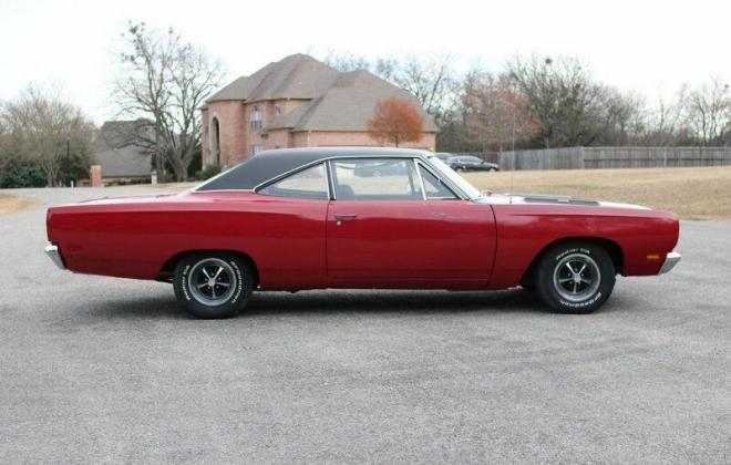 1969 Plymouth Road Runner side profile.jpg