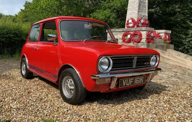 1971 Mini Clubman GT red UK images restored pics (12).jpg