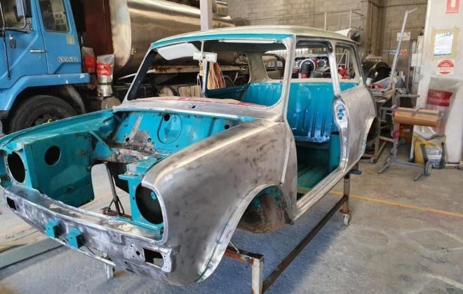 1972 Gambier Turquoise Mini Clubman GT Australia restoration images (5).jpg