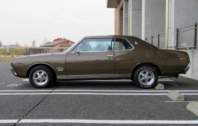 1973 Nissan Gloria 230 Series 2 door hardtop coupe images Japan 260C (5).jpg