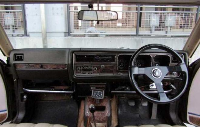 1973 Nissan Gloria 230 Series 2 door hardtop coupe images Japan 260C (6).jpg