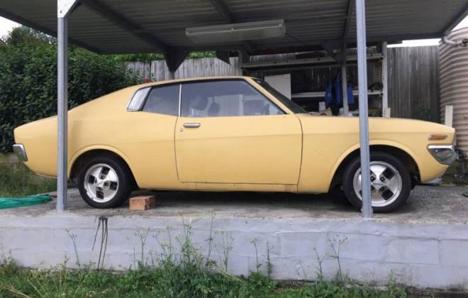 1976 Toyota Corona MKII MX22 hardtop coupe yellow images (1).JPG