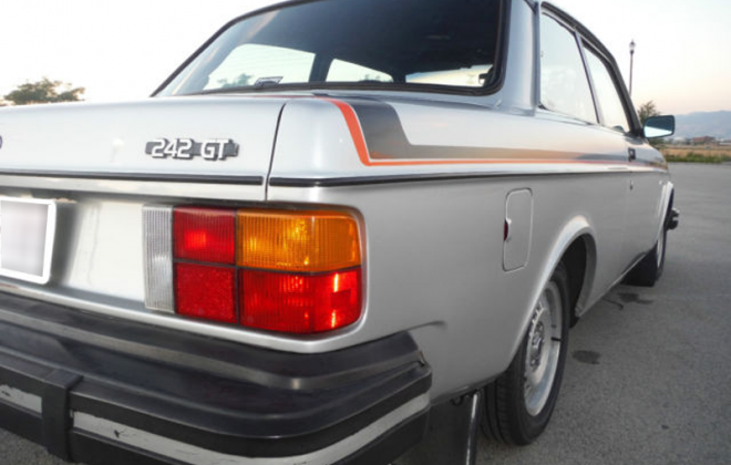 1979 Volvo 242 GT facelift rear corner image.png