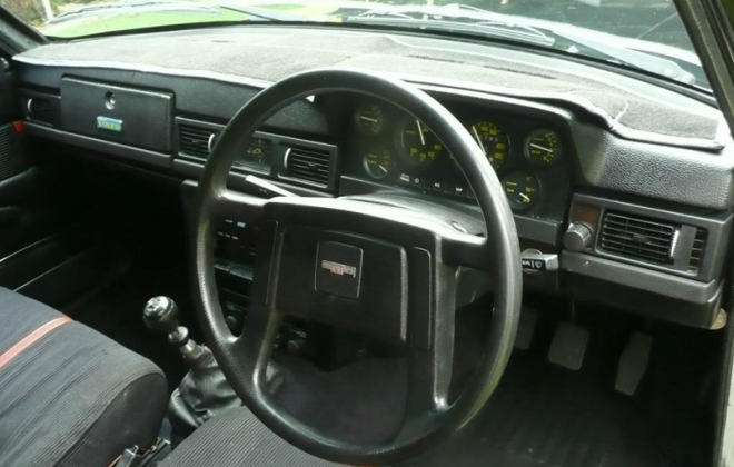 1980 Australian dashboard Volvo 242 GT wheel and instruments.png
