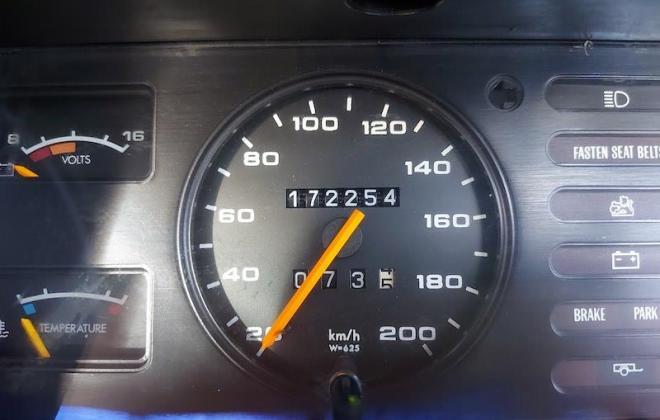 1980 VC Holden Commodore HDT Tuxedo Black V8 manual (18).jpg