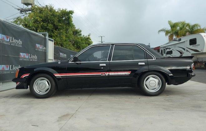 1980 VC Holden Commodore HDT Tuxedo Black V8 manual (6).jpg