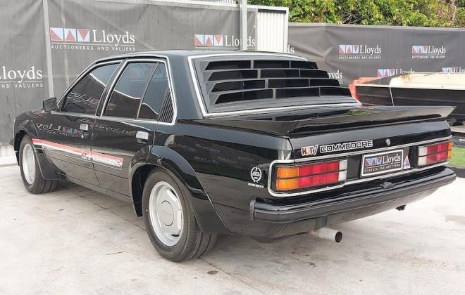 1980 VC Holden Commodore HDT Tuxedo Black V8 manual (9).jpg