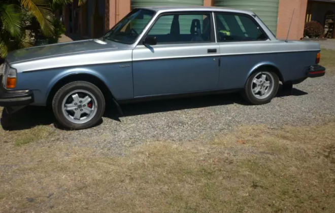 1980 Volvo 242 GT Australia silver two tone blue (5).png