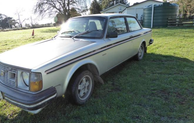 1980 Volvo 242 GT coupe New Zealand silver (1).jpg