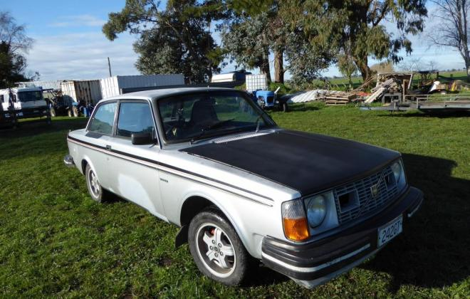 1980 Volvo 242 GT coupe New Zealand silver (2).jpg