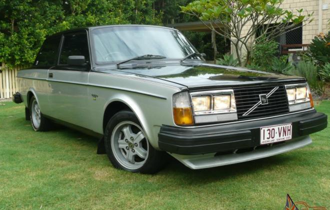 1980 Volvo 242 GT with quad headlamps Australian delivered car images (1).jpg