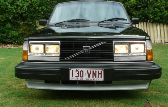 1980 Volvo 242 GT with quad headlamps Australian delivered car images (4).jpg