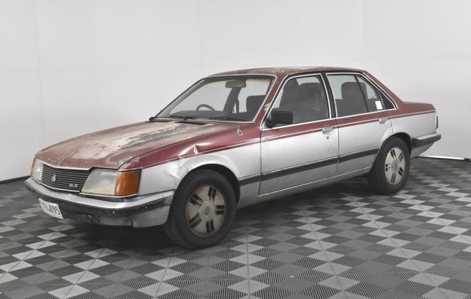 1981 VH Commodore SL-E Holden two tone image (1).jpg