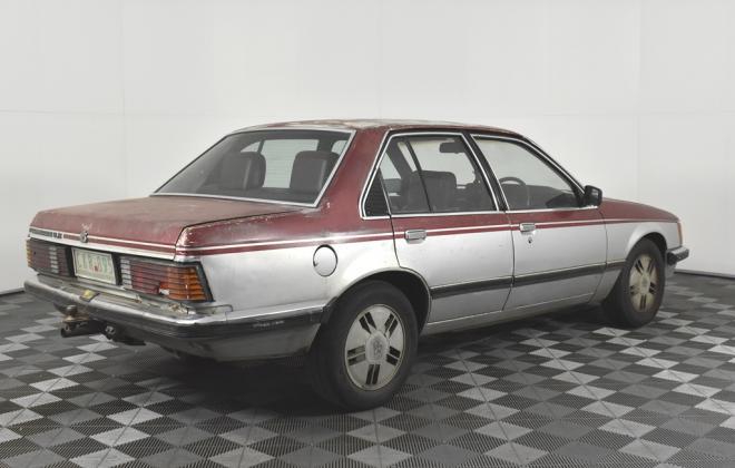 1981 VH Commodore SL-E Holden two tone image (4).jpg