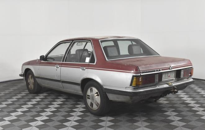 1981 VH Commodore SL-E Holden two tone image (6).jpg