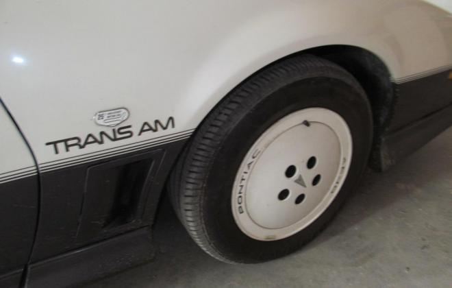 1983 Pontiac Firebird Trans-Am 25th Anniversary Daytona 500 pace car (4).jpg