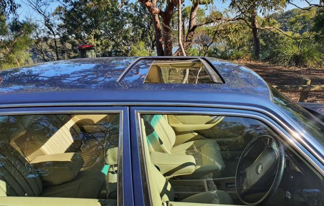 1986 Mercedes 560 SEL Blue sedan Australian delivered images (6).jpg