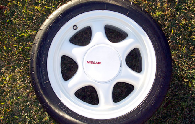 1989 1990 Nissan Skyline R31 GTS2 SVD Silhouette 16 x 7 inch white wheel.png