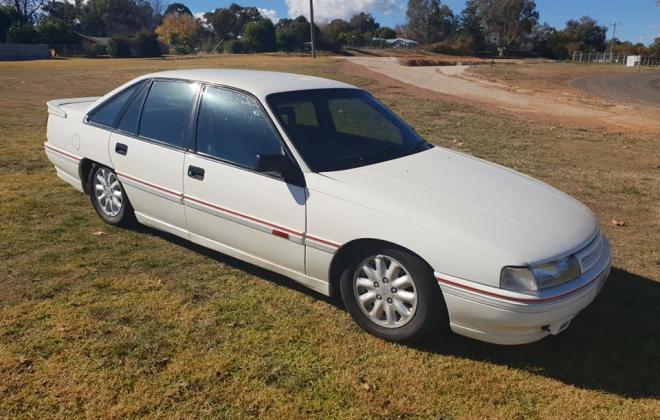 1990 Holden Commodore VB SS V8 white pictures (1) 2021.jpg