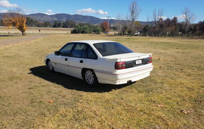 1990 Holden Commodore VB SS V8 white pictures (2) 2021.jpg