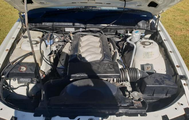 1990 Holden Commodore VB SS V8 white pictures (4) 2021.jpg